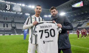 Ronaldo muốn Juventus mua thêm hai ngôi sao