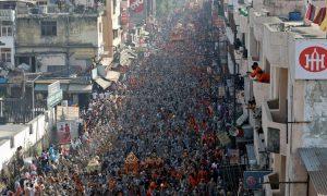 Ấn Độ cho 600.000 người hành hương giữa vực thẳm Covid-19