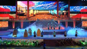Người dân cố đô và du khách mãn nhãn với lễ khai mạc Festival Huế 2018