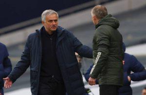 'Sập bẫy' chủ tịch Tottenham, Mourinho bị sa thải đầy tức tưởi