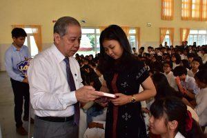 """Chủ tịch UBND tỉnh Thừa Thiên Huế Phan Ngọc Thọ:""""Con đường để thoát nghèo vươn lên chính là học tập"""""""