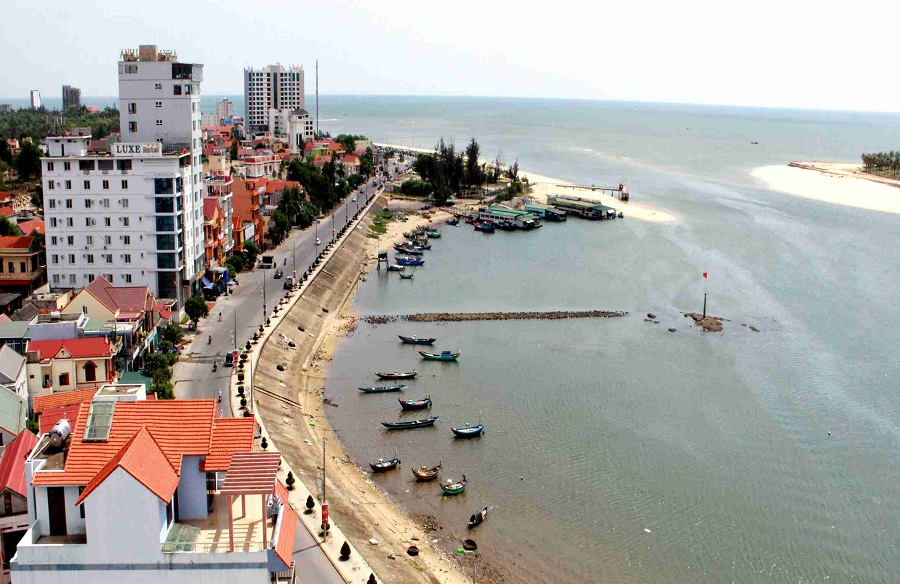 Quảng Bình:  Khám phá nét đẹp hoang sơ cửa biển Nhật Lệ