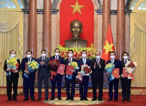 Chủ tịch nước Nguyễn Xuân Phúc trao Quyết định bổ nhiệm cho các thành viên Chính phủ