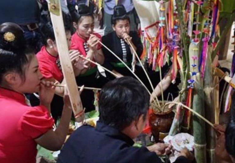 Hai lễ hội độc đáo của người La Ha