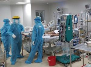 Bộ trưởng Bộ Y tế: Điều phối 2.000 máy thở cho kho dự trữ tại TP.HCM