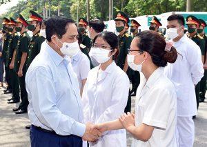 Thủ tướng Phạm Minh Chính gửi thư động viên những 'chiến sĩ tuyến đầu' trên 'mặt trận' phòng chống Covid-19