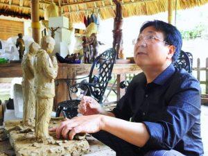 Họa sĩ, nhà điêu khắc Vương Duy Biên: 'Làm nghệ thuật phải xuất phát từ trái tim'