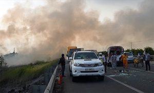 Tuyên truyền, yêu cầu hạn chế đốt rơm rạ gần đường cao tốc