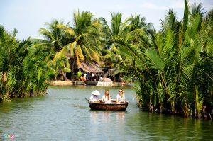 Đi thuyền thúng khám phá rừng dừa nước giữa Hội An