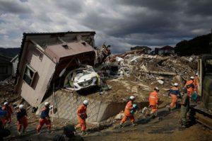 Trận mưa lũ lịch sử đã tàn phá Nhật Bản khủng khiếp tới mức nào?