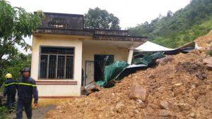 Thiên tai gây nhiều thiệt hại về người và tài sản ở miền Trung