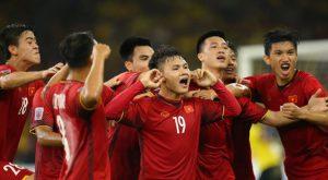 Việt Nam trụ top 100 FIFA, bỏ xa Thái Lan đứng đầu Đông Nam Á