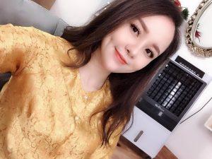 Vẻ đẹp khó cưỡng của hot mom hầu đồng Phú Thọ  'đốn tim' dân mạng