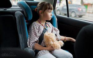 12 mẹo giúp trẻ ngừng khóc khi di chuyển trên xe ô tô