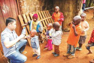 Thầy giáo trẻ và giấc mơ châu Phi