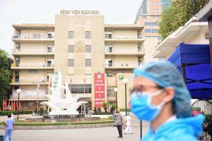 Bệnh viện Bạch Mai cách ly