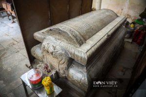 Lăng mộ đá cổ 100 tuổi còn sót lại giữa lòng Hà Nội