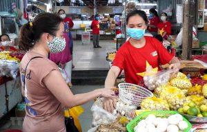 Đà Nẵng giãn cách, người dân được phát thẻ để đi chợ theo ngày chẵn-lẻ