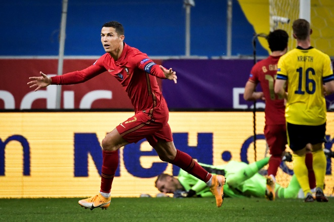 Deco: 'Ronaldo là quái vật'