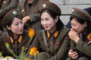 Vẻ đẹp thô mộc, lạnh lùng cuốn hút của nữ binh sĩ Triều Tiên