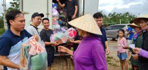 Tạp chí Văn Hiến Việt Nam đến với bà con Miền Trung thân yêu