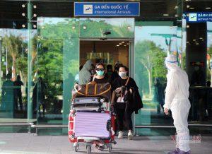 Thủ tướng: Phòng chống dịch phù hợp khi áp dụng 'hộ chiếu vắc xin'