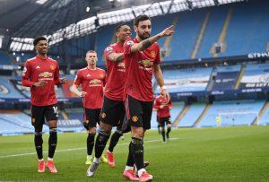 Man Utd và cú đấm đưa Man City trở lại mặt đất