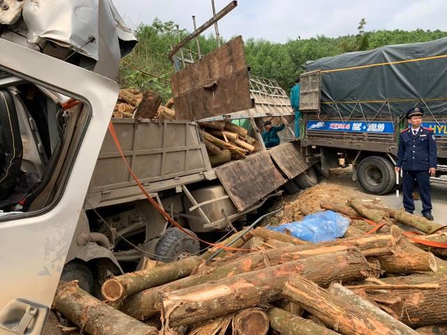 Xe tải chở keo gặp nạn làm 7 người chết ở Thanh Hóa