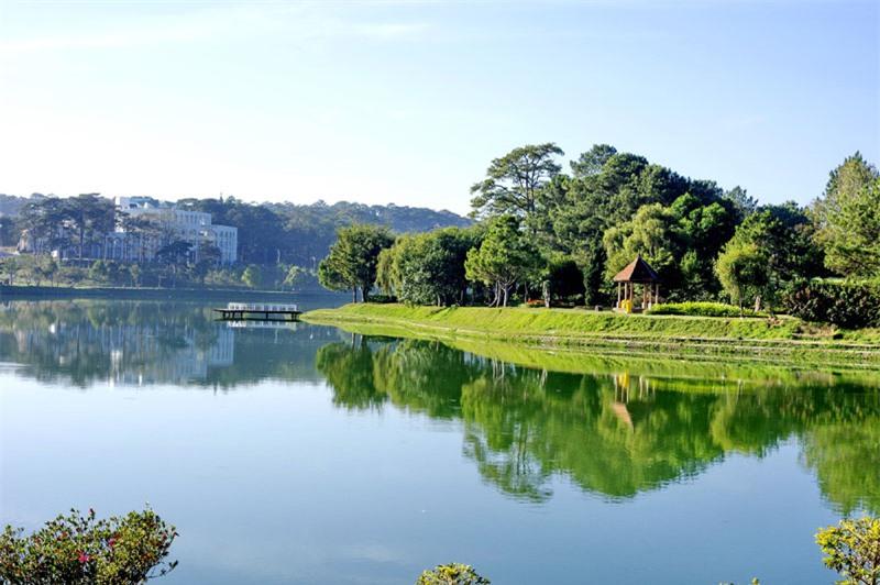 Dịu dàng quyến rũ hồ Xuân Hương Đà Lạt