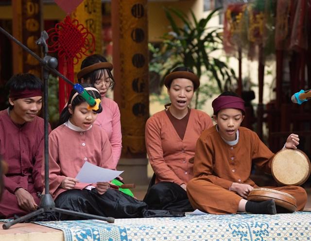 Người trẻ và văn hoá truyền thống