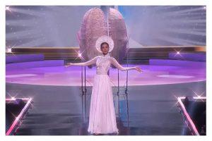 Trình diễn đỉnh cao, Khánh Vân lọt top 6 trang phục dân tộc yêu thích của Miss Universe 2018 Catriona Gray