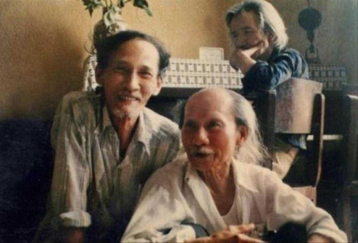 'Kiễng chân' với giải thưởng Hồ Chí Minh