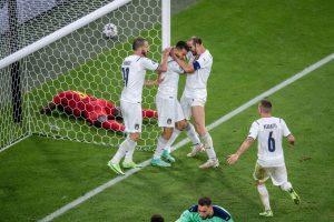 Nước mắt Thuỵ Sĩ và sức mạnh Italia