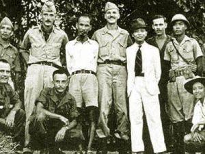 Hồ Chí Minh, Võ Nguyên Gíap với người Mỹ trong cách mạng tháng tám