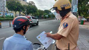 TP Hồ Chí Minh: Xử lý linh hoạt cho người chưa kịp làm giấy đi đường mẫu mới