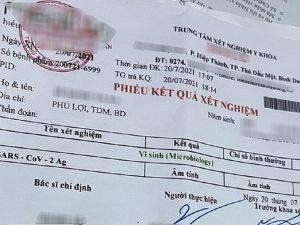 Ẩn hoạ từ dùng giấy xét nghiệm PCR giả để 'thông chốt'