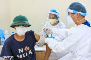 Những mũi vắc xin Vero Cell đầu tiên được tiêm cho người dân Hà Nội