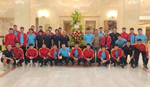 Chủ tịch nước động viên đội tuyển Việt Nam