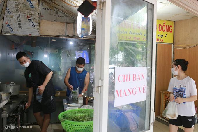 'Vùng xanh' ở Hà Nội ngày đầu bán mang về