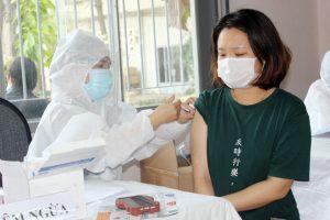 Đồng Nai sẽ cho phép người đã tiêm vaccine ra đường