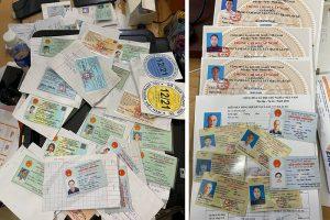 Làm giả giấy đi đường, thẻ tình nguyện viên… bán cho người muốn thông chốt