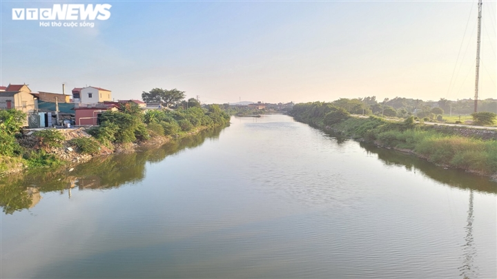Dòng sông 'chết' ở Bắc Ninh hồi sinh sau 20 năm chìm trong khói bụi, nước thải