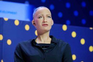 Robot Sophia muốn có con và có gia đình riêng