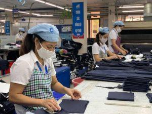 Nhiều lao động ngỡ ngàng vì… không được hỗ trợ thất nghiệp