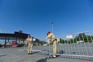Sáng 16/10: Vượt 857,600 ca nhiễm, Hà Nội dừng kiểm tra phương tiện ở 22 chốt cửa ngõ