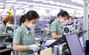 Tin sáng 21/10: 19 doanh nghiệp FDI ở Tiền Giang 'cầu cứu', Bộ GTVT nới lỏng quy định đi máy bay