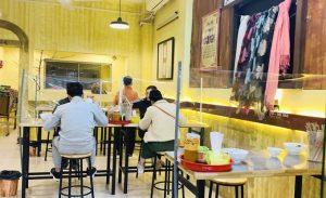 Hà Nội: Từ 6 giờ ngày 14/10, nhà hàng được phục vụ tại chỗ, xe buýt, taxi hoạt động trở lại