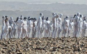 Chụp ảnh khỏa thân ở Biển Chết nhằm bảo vệ môi trường