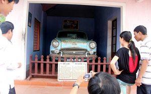 Chiếc ô tô đặc biệt ở chùa Thiên Mụ