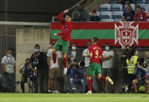 Ronaldo ghi bàn, Bồ Đào Nha thắng đậm chủ nhà World Cup 2022